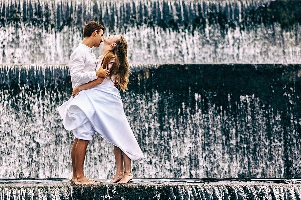 目指すは憧れの2人!理想のカップルが持つ共通の特徴とは