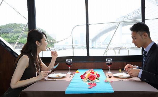 ドキドキの初デート!食事のときに気をつけたいこと4選